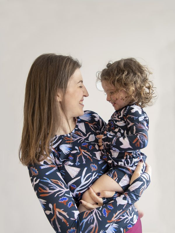 Camiseta de proteccion solar UPF50+ mujer niña
